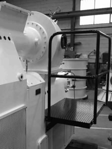 Plataforma para control visual de la producción de jabón en la compresora - Vista trasera - Etapa de refinado y extrusión - Línea de acabado de una fábrica de pastillas de jabón