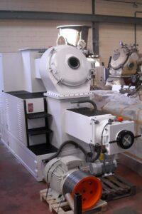 Compresora / Extrusora DTM-320 Mazzoni - Etapa de refinado - Línea de acabado de una fábrica de pastillas de jabón
