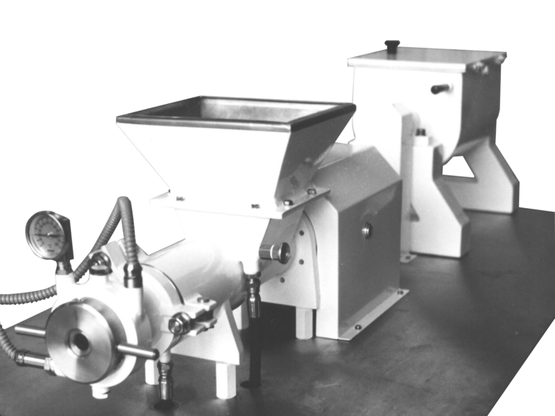 Small soap making machine for laboratory to test soap quality