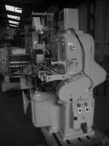 Envolvedora / Empaquetadora para pastillas de jabón de tocador - Línea de acabado de una fábrica de jabón