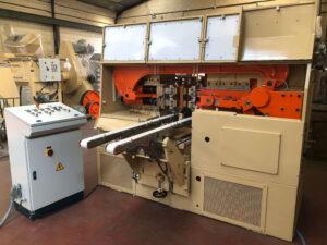 Troqueladora STU Duplo - Proceso de Troquelado - Línea de Acabado para la Producción de Jabón en Pastilla
